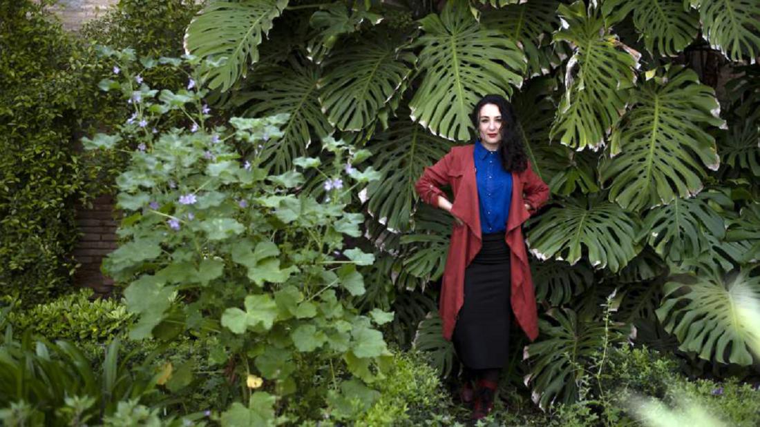 Isabel Martín, en el Espacio Santa Clara, en Sevilla. En vídeo, recita dos de sus poemas. FOTO Y VÍDEO: PACO PUENTES